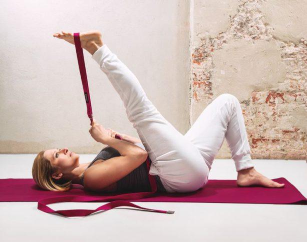 Jak si vybrat správné pomůcky na jógu?